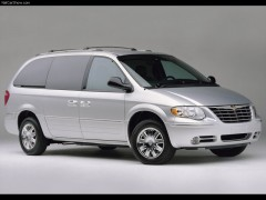FAMILIENAUTO VERMIETUNG / Chrysler Town and Country Minivan